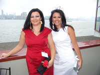 Alina Haranczyk and Barbara Haranczyk (both Initech Inc.) at the WFFC Woman of the Year event
