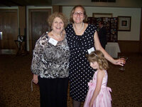 Sara Marks, mother of Amy Marks-McGee, Marks-McGee (Trendincite), and Lucy McGee, daughter of Amy Marks-McGee at WFFC Woman of the Year event