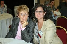 left to right: Irene-Marie Steg, Josephine Siragusa (both Wen International Inc.)