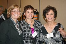 center: Dolores Avezzano (Cargill); right: Joan Coletta (Importers Service Corp.)