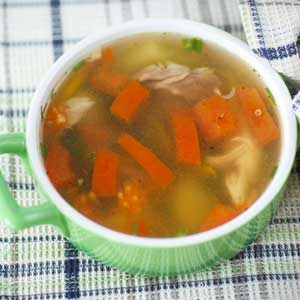 Vegetable chicken broth